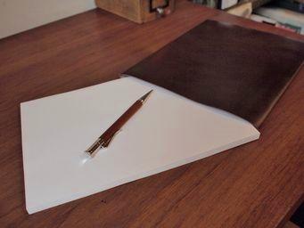 B5サイズへのこだわり~WRITING  LAB.革封筒~