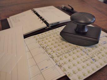 華やかな筆記を支える存在・吸取紙