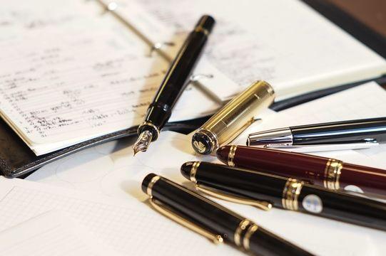 辛口の紙に極細のペン